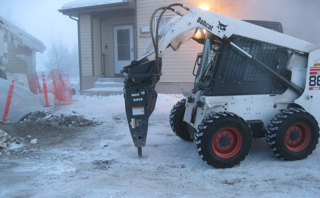 Bobcat B950 breaker in wintertime